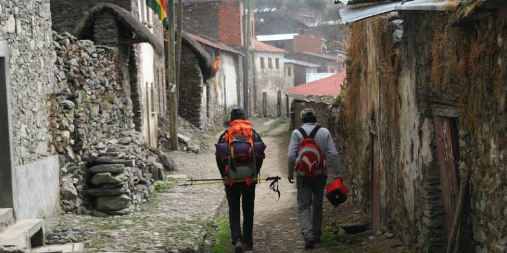 Bolivia, 6000 metrotik gorako gailurra